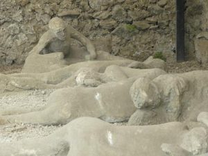 bodies found in pompeii