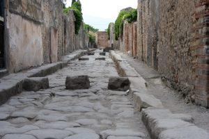 streets of pompeii in italy